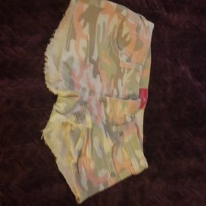 Almost famous camo shorts